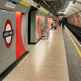 Green Park Tube Station platform