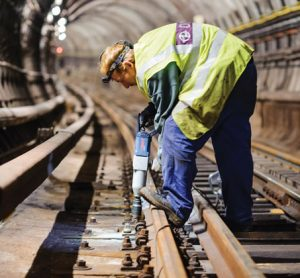 Maintaining Prague Metro's tracks