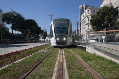 Rio de Janeiro tramway opens ahead of Olympic Games
