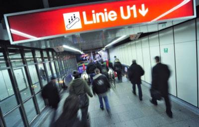 Wiener Linien awards Vienna U1 line electrification contract