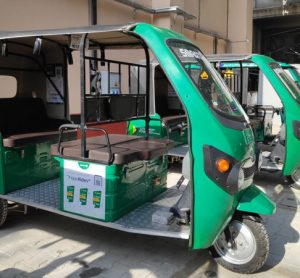 Delhi metro extends e-rickshaw last mile services