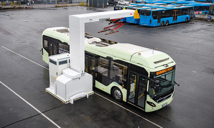 Keolis and Volvo demonstrate autonomous 12-metre long e-bus in depot